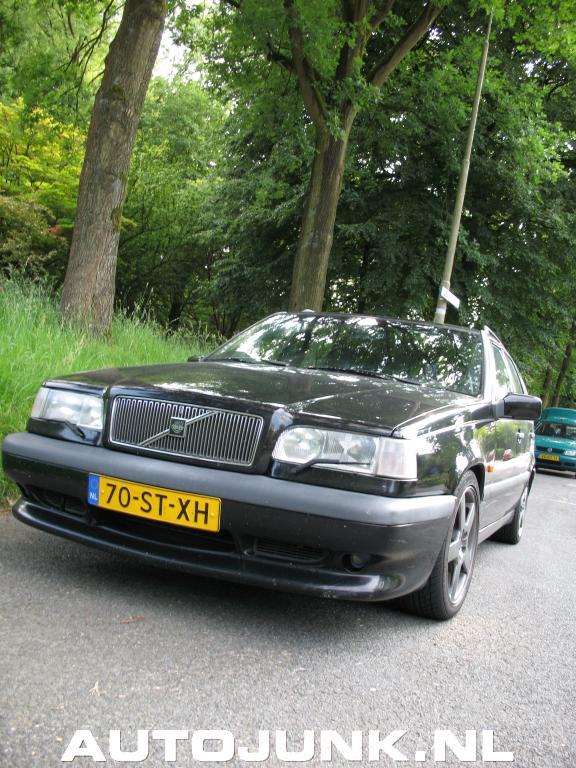 Wie Weet Wie Weet Zie Je De Prins Als Hij De Heuvel Op: Een Volvo 850(R?) Wie Weet Meer? Foto's » Autojunk.nl (1134