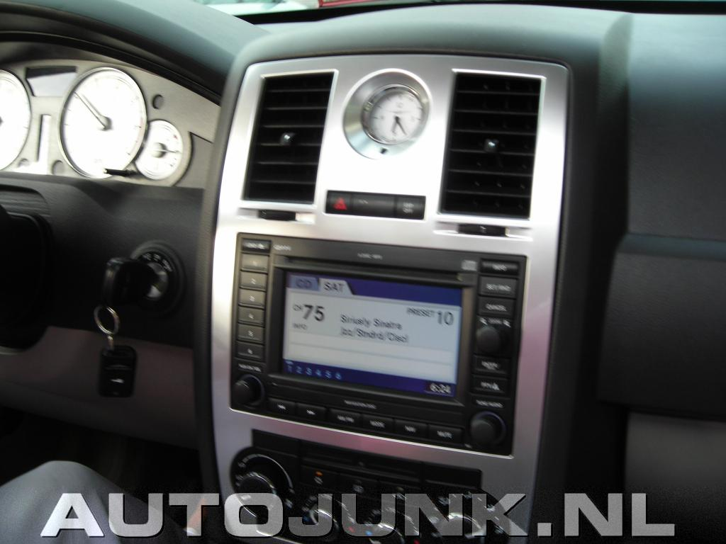 Chrysler 300c interieur foto 39 s 5032 for Interieur foto s