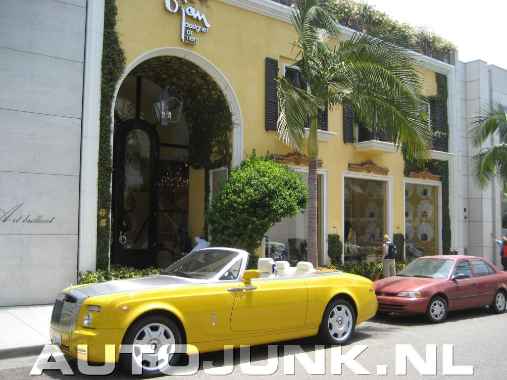 gele rolls royce drophead coupe beverly hills foto 39 s 9607. Black Bedroom Furniture Sets. Home Design Ideas