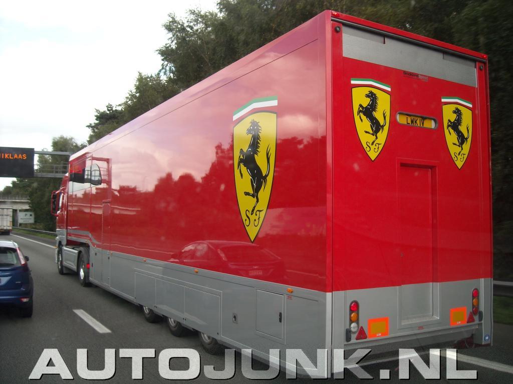 Ferrari vrachtwagen fo...