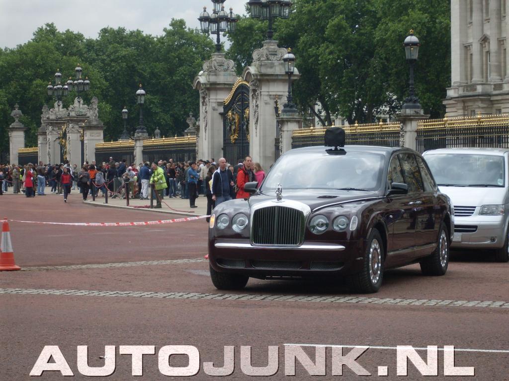 Queen Elizabeth Bentley State Limousine >> Bentley State Limousine Queen Elizabeth foto's » Autojunk.nl (26402)