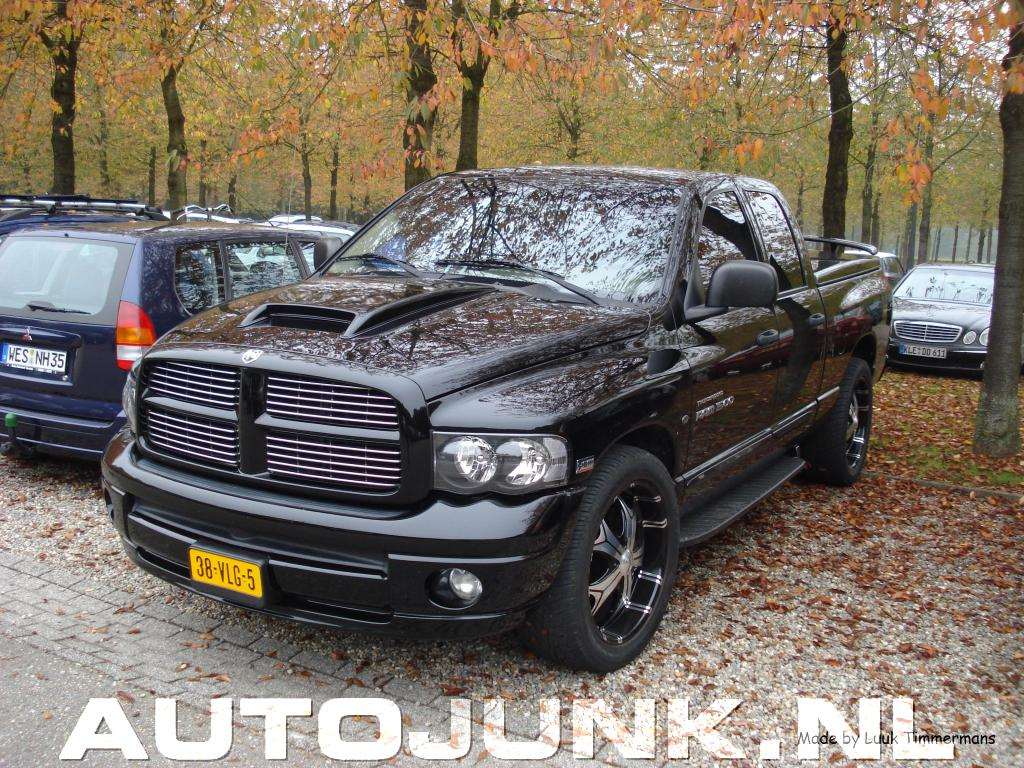 dodge ram 1500 thunderroad 5 7 litre hemi magnum power. Black Bedroom Furniture Sets. Home Design Ideas