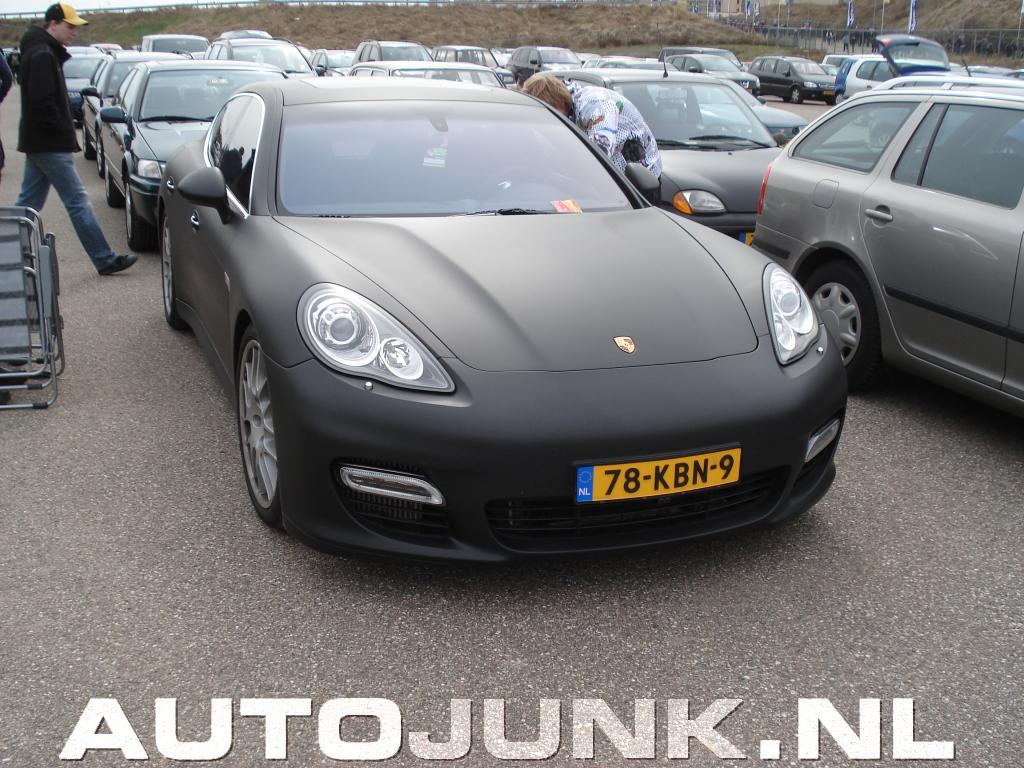 Mat Zwarte Porsche Panamera Turbo Foto S 187 Autojunk Nl 37931