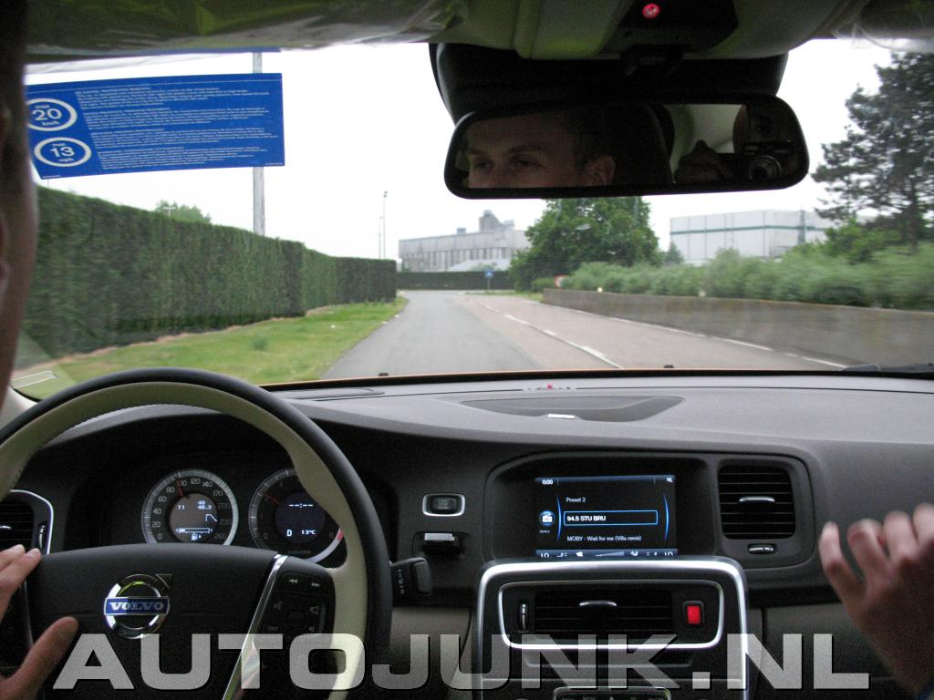 Interieur shots volvo s60 foto 39 s 41043 for Interieur foto s