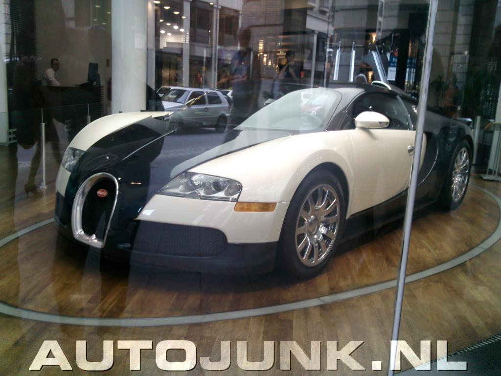 bugatti veyron berlijn dealer foto 39 s 47331. Black Bedroom Furniture Sets. Home Design Ideas