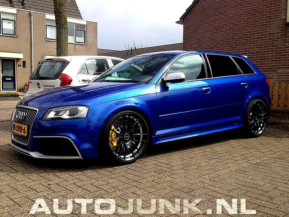 Car Picker - blue audi RS3
