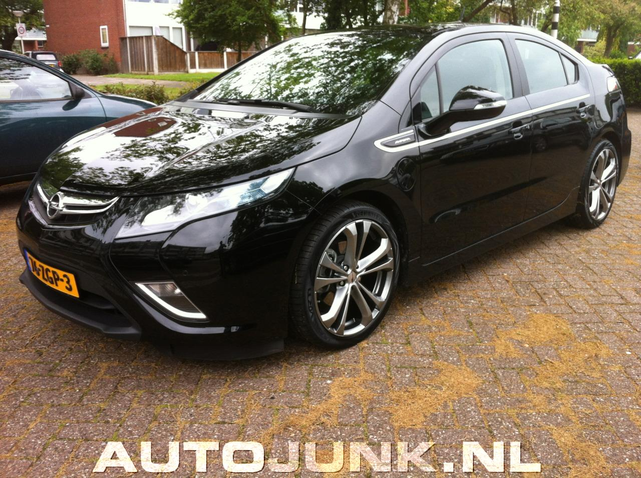 opel ampera tuning wordt het helemaal foto 39 s 96235. Black Bedroom Furniture Sets. Home Design Ideas