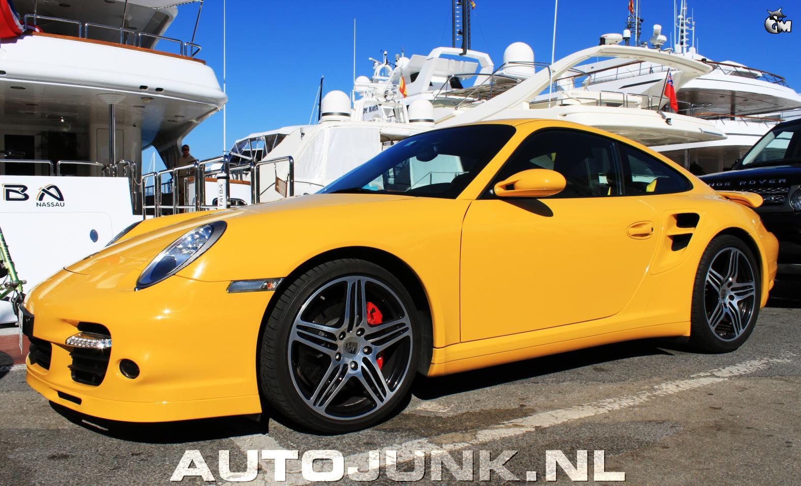 Ferrari California vs Porsche 997 Turbo foto's » Autojunk ...