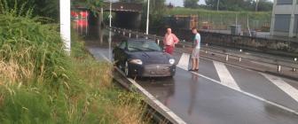 Jaguar Xkr Cabrio Verzuipt In Noodweer Limburg Autoblog Nl