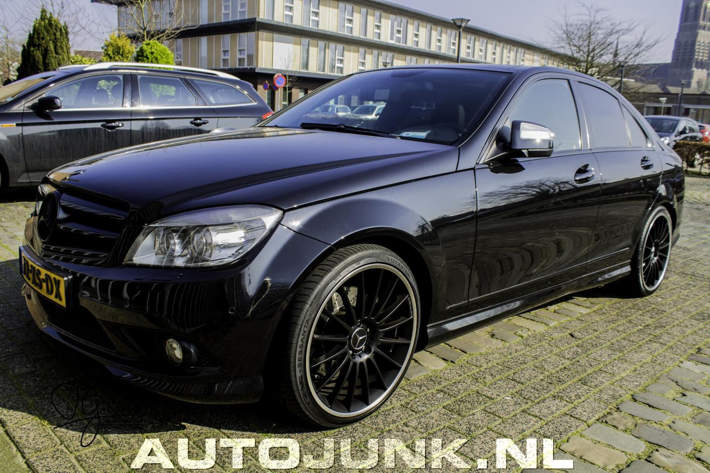 c klasse denkt dat ie een c63 amg is foto 39 s. Black Bedroom Furniture Sets. Home Design Ideas