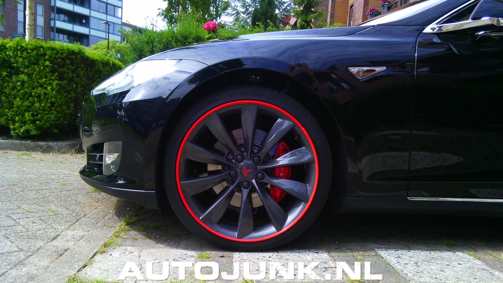 Tesla P85 Met Gave Velgen Fotos Autojunknl 119261