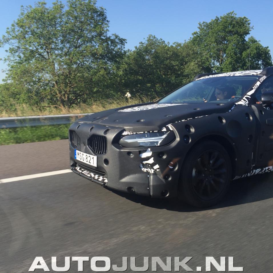 2016 Volvo S90/V90 10