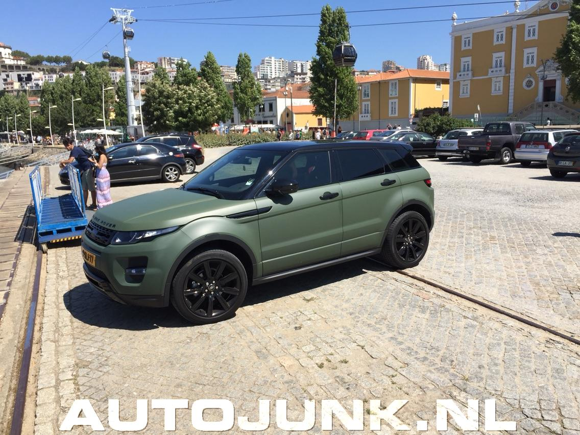 land rover evoque 2013 with Range Rover Evoque 32 on 2014 Land Rover Range Rover Evoque Dynamic C 4713 likewise 2017 land rover discovery sport 4k Wallpapers further Grafik Evoque I206130176 likewise Range Rover Evoque Sd4review moreover Range Rover Evoque 32.