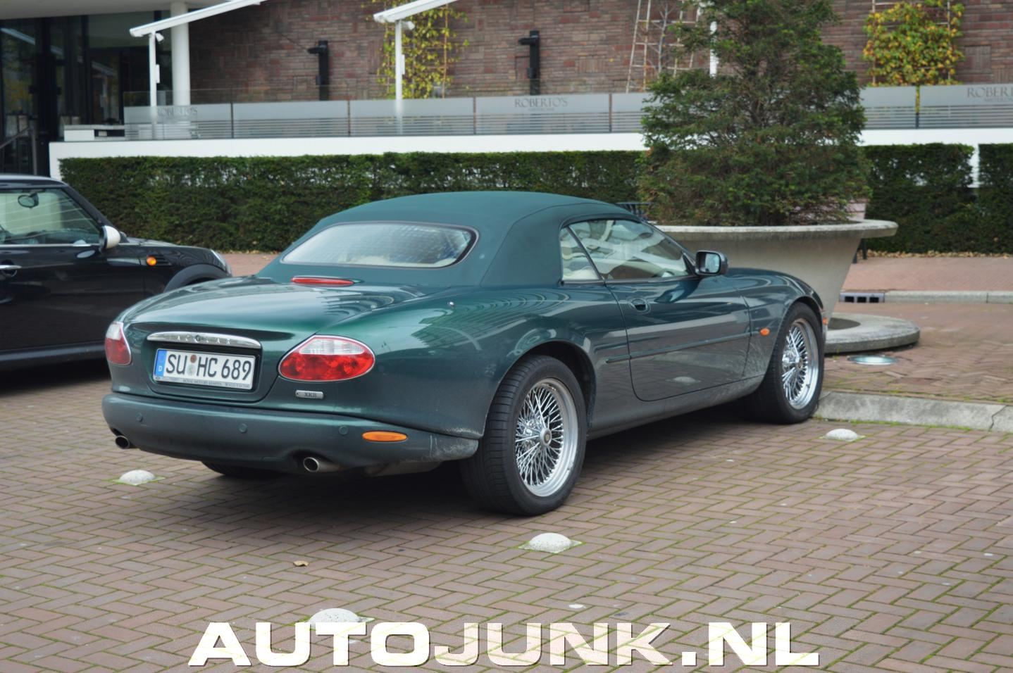 historisch verantwoorde jaguar xk8 cabrio foto 39 s. Black Bedroom Furniture Sets. Home Design Ideas