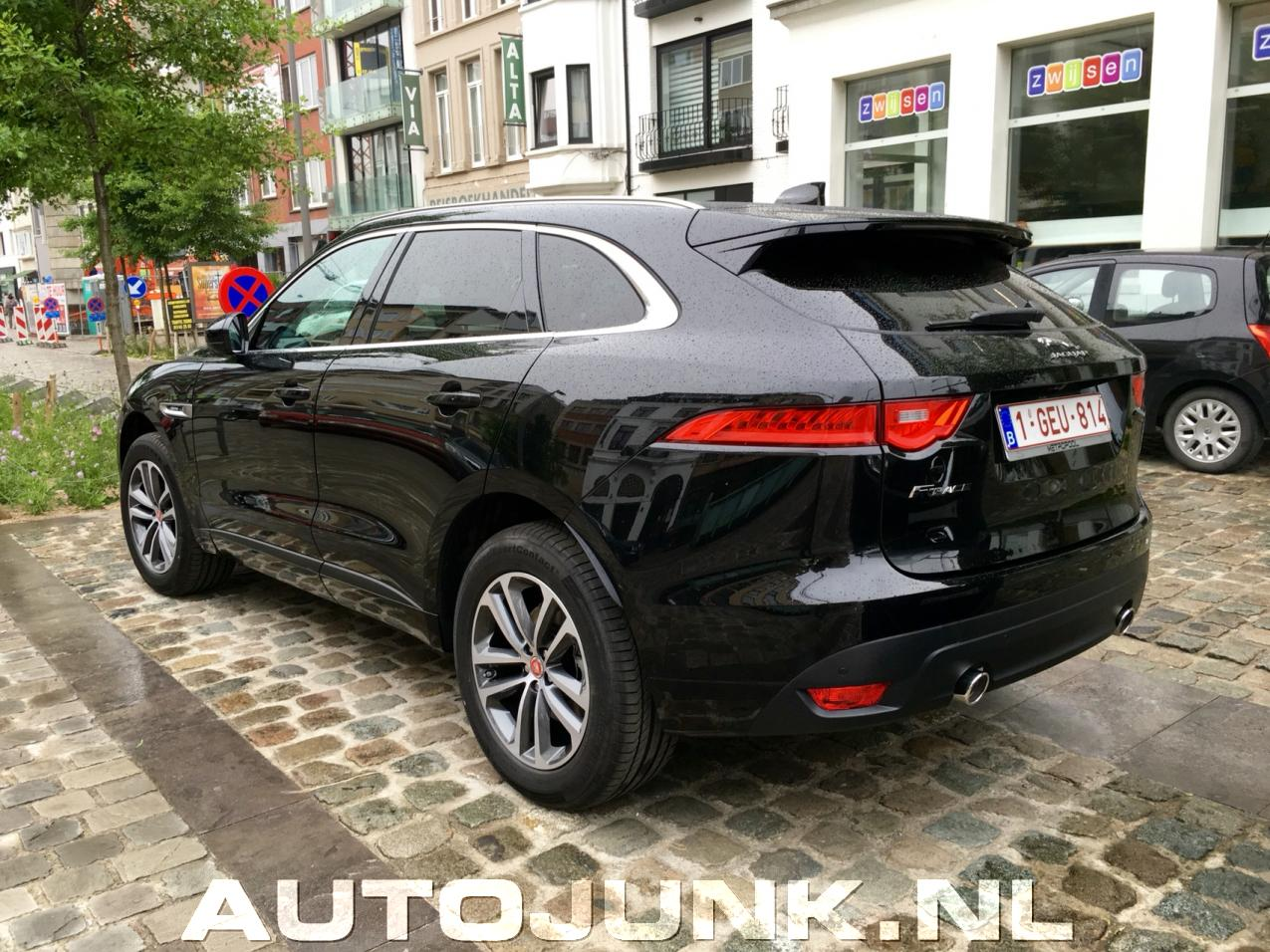 Jaguar f pace foto 39 s 170191 for Interieur jaguar f pace