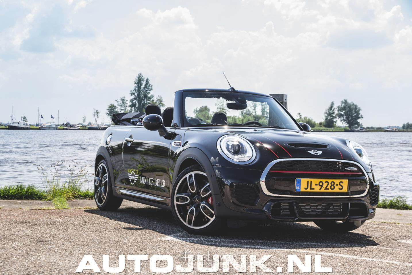 shoot mini john cooper s works cabrio foto 39 s autojunk. Black Bedroom Furniture Sets. Home Design Ideas
