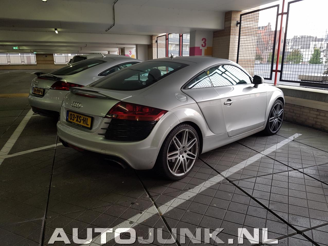 audi tt en een audi tt met r8 ambities foto 39 s 181325. Black Bedroom Furniture Sets. Home Design Ideas