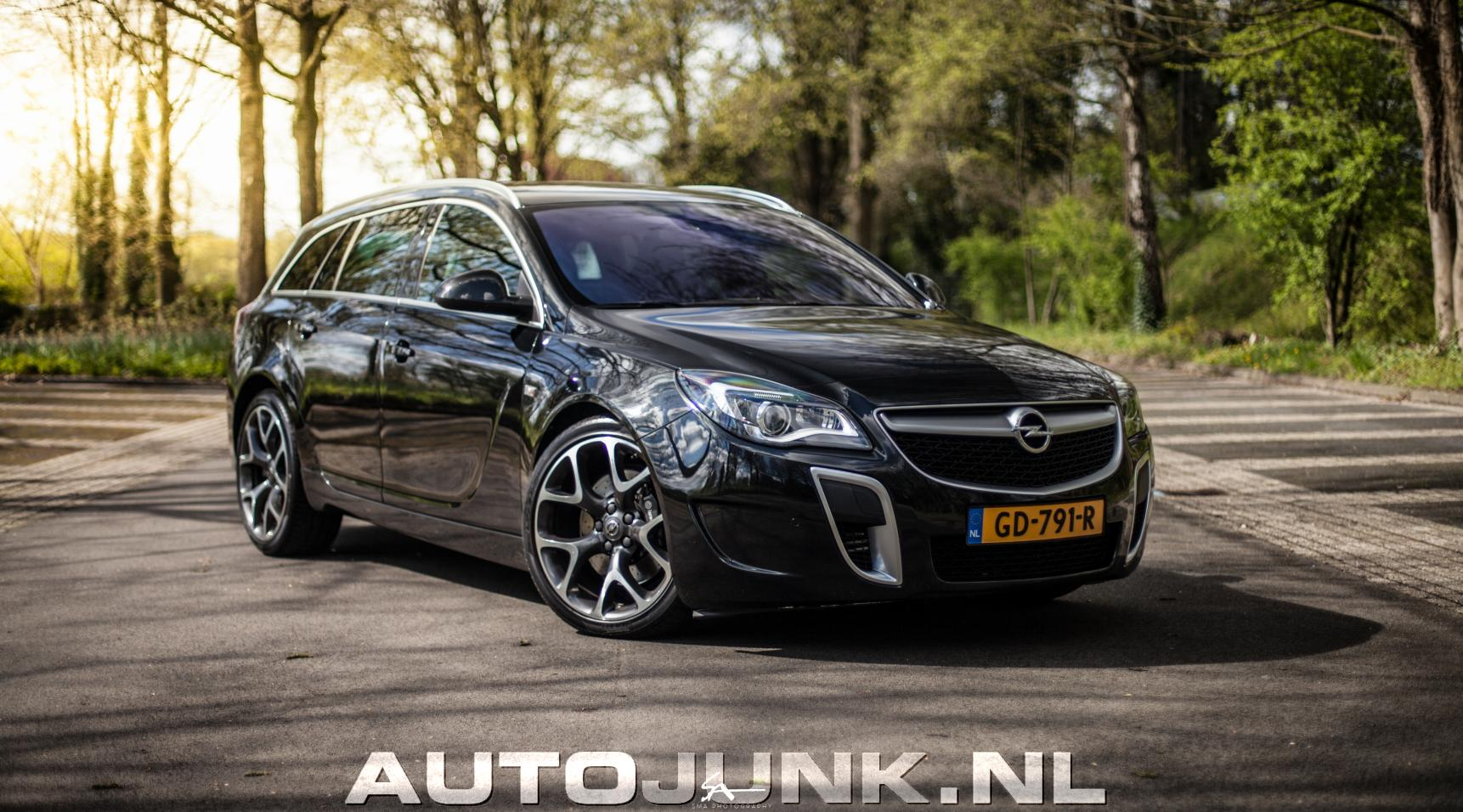 opel insignia opc sportstourer foto 39 s 194089. Black Bedroom Furniture Sets. Home Design Ideas