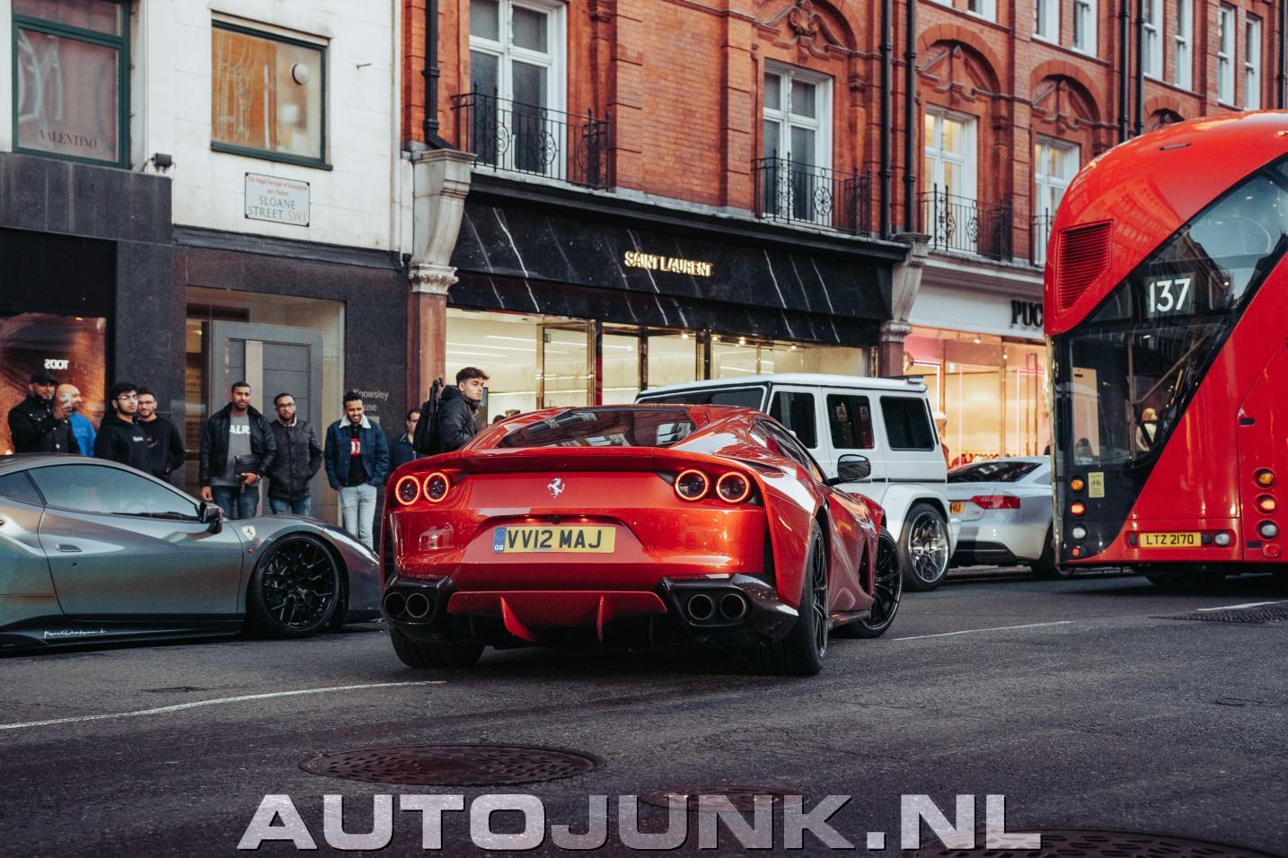 Porsche 911 GT3 RS vs. Ferrari 812 Superfast foto's ...